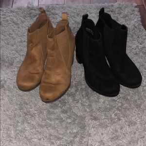 2 Pairs American Eagle botties size 8